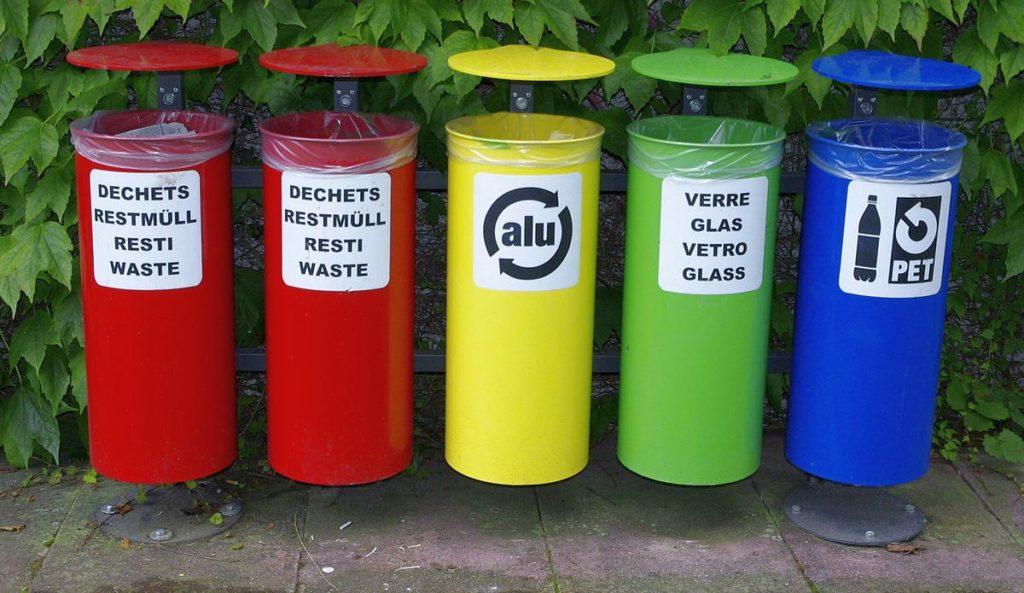 poubelle tri selectif couleurs